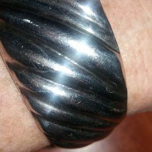 Tiffany cuff
